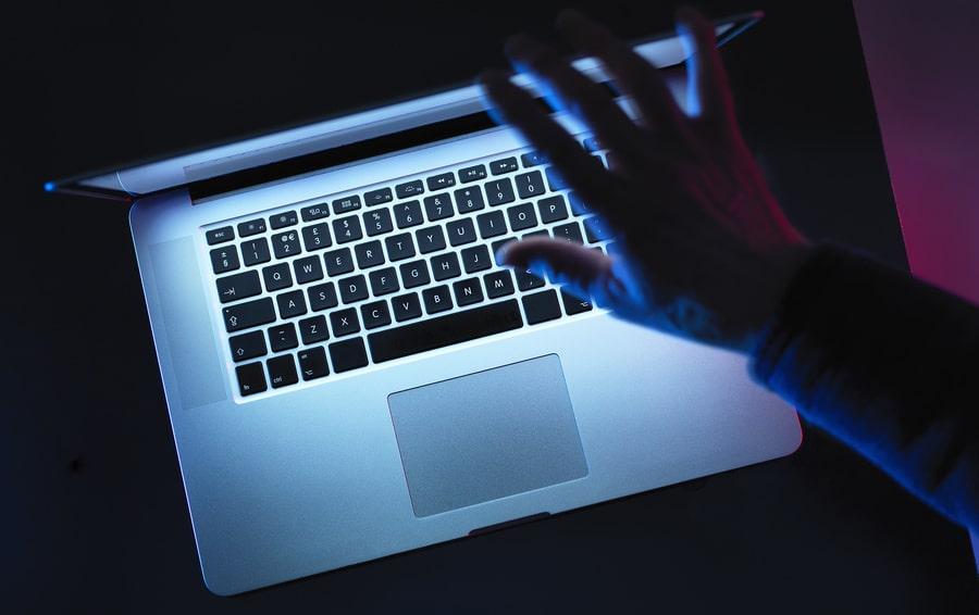 Защита от хакеров и похитителей данных